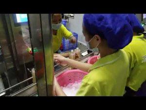 Шампон са 4 млазнице, детерџент, течни сапун, машина за пуњење и затварање маслиновим уљем
