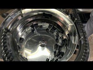 механичка машина за пуњење и затварање у боце типа цбд